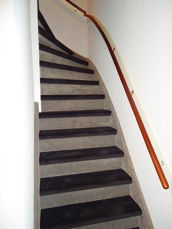 Trap stofferen eindhoven door brabant tapijt uit eindhoven for Dichte trap maken