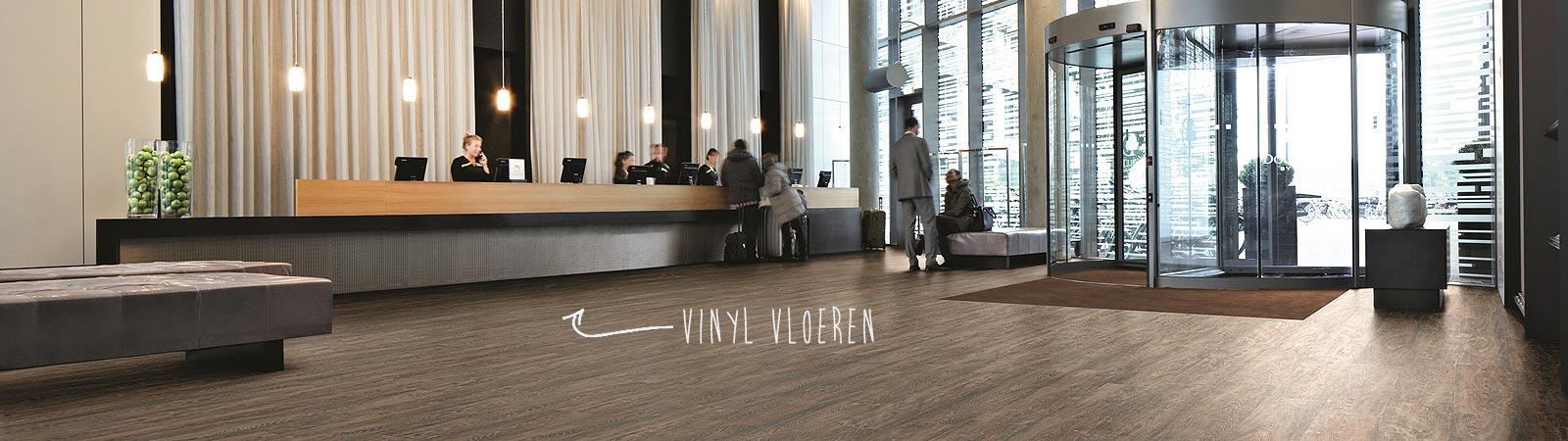 Vinyl wordt gelegd door Brabant Tapijt uit Eindhoven
